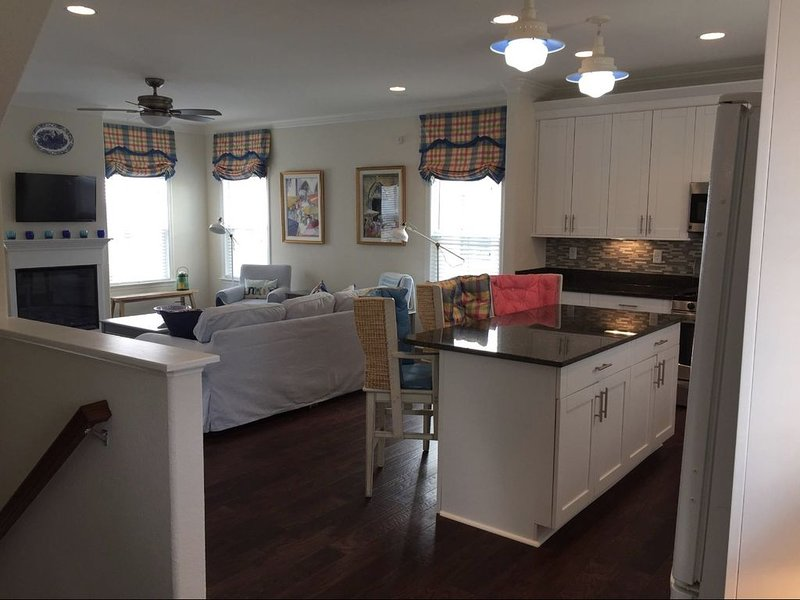 Family Beach House on Chesapeake Bay, vacation rental in Norfolk