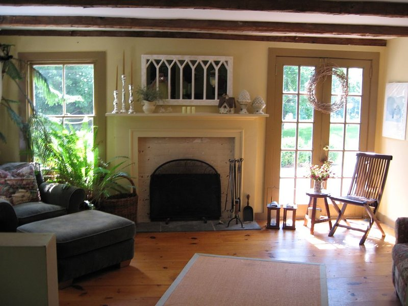 FARM  HOUSE 3 MILES TO OMEGA RATED #1 BY OMEGA FOLLOWERS 3RD YEAR, holiday rental in Bangall