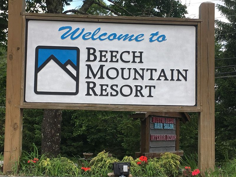 LOW RATES for Fall & Winter Season.   BOOK NOW!, holiday rental in Beech Mountain