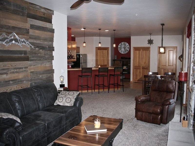 The Frisco Trading Company, #204. Stay at the center of it all., holiday rental in Frisco