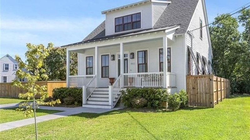 Quaint New Orleans Cottage - Charming and 'NEW', casa vacanza a Chalmette