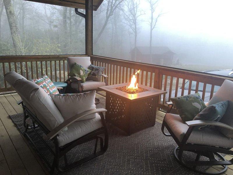 Laurel's Cozy Cottage, vacation rental in Glenville