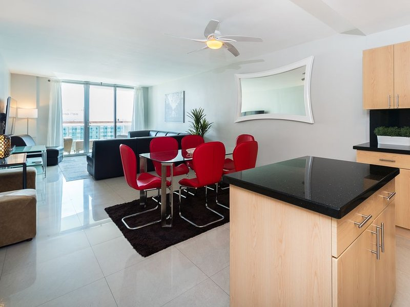 Gorgeous apartment with a view - Ocean Reserve 15th floor - Direct Ocean View, casa vacanza a Sunny Isles Beach