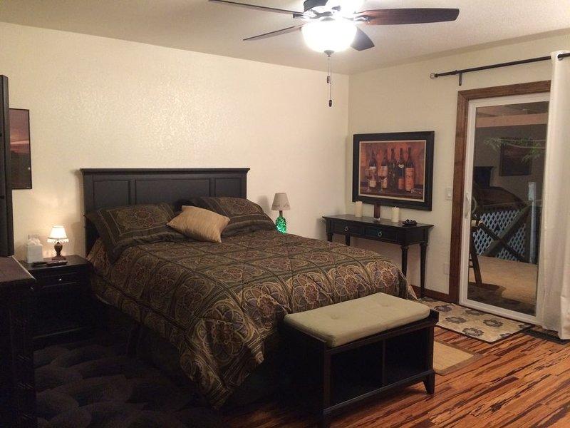 Ala Leste (Wine Country Getaway 4 U): cama de casal e colchão de solteiro.