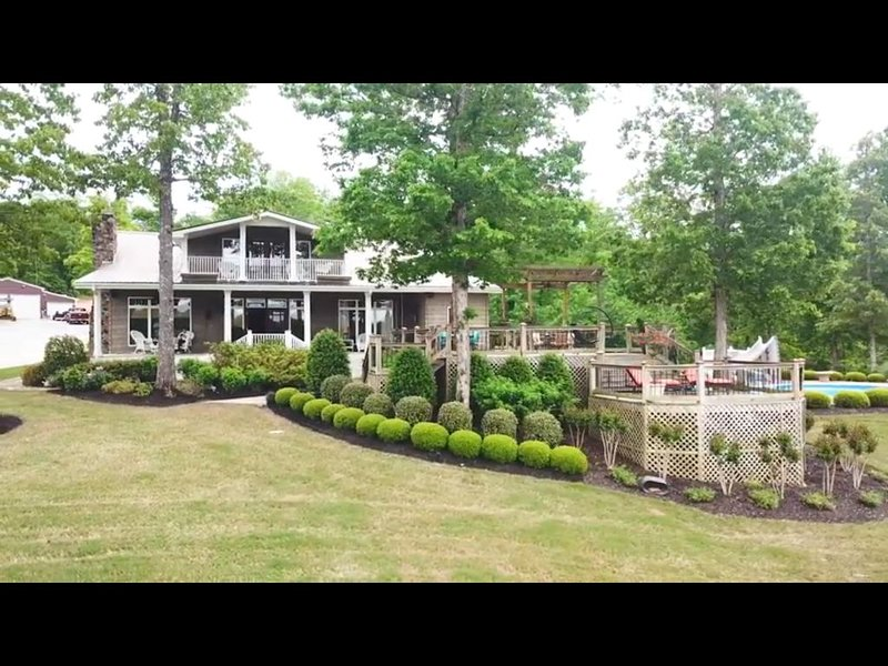 Luxury Home With Gorgeous View of Pickwick Lake, location de vacances à Counce