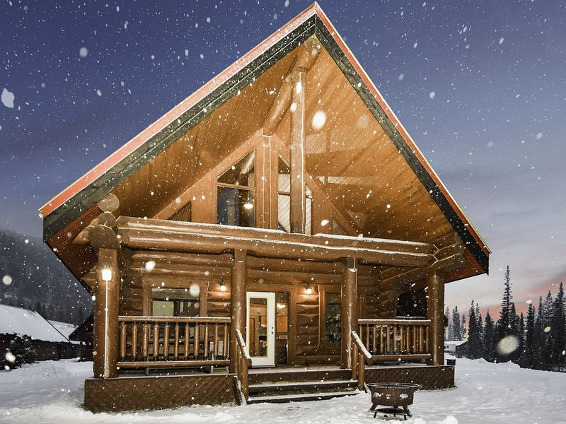 ☼Getaway Cabin Perfect For Ski Or Hike For Groups☼, aluguéis de temporada em Field