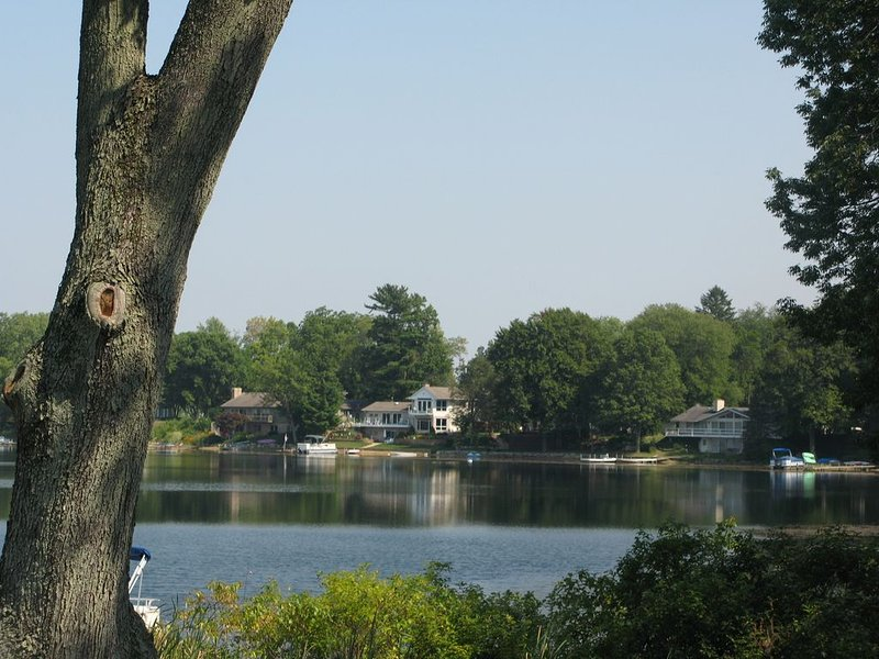 Beautiful Lake Home -> Near New Buffalo - 3 BD / 2 BA, location de vacances à New Carlisle