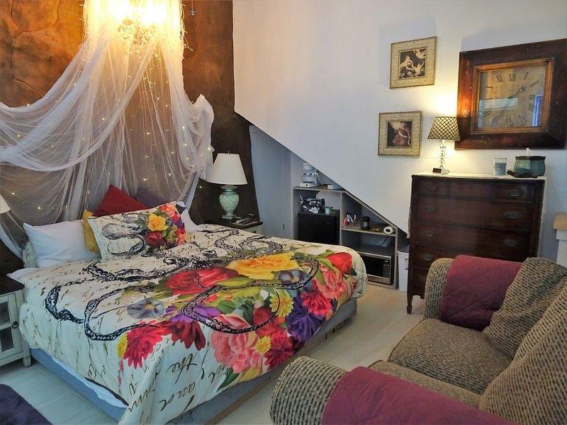 HONEYMOON OCEAN SUITE, Baja Malibu, KING, DOUBLE BED, Rosarito, MX WiFi TV, vacation rental in San Antonio del Mar