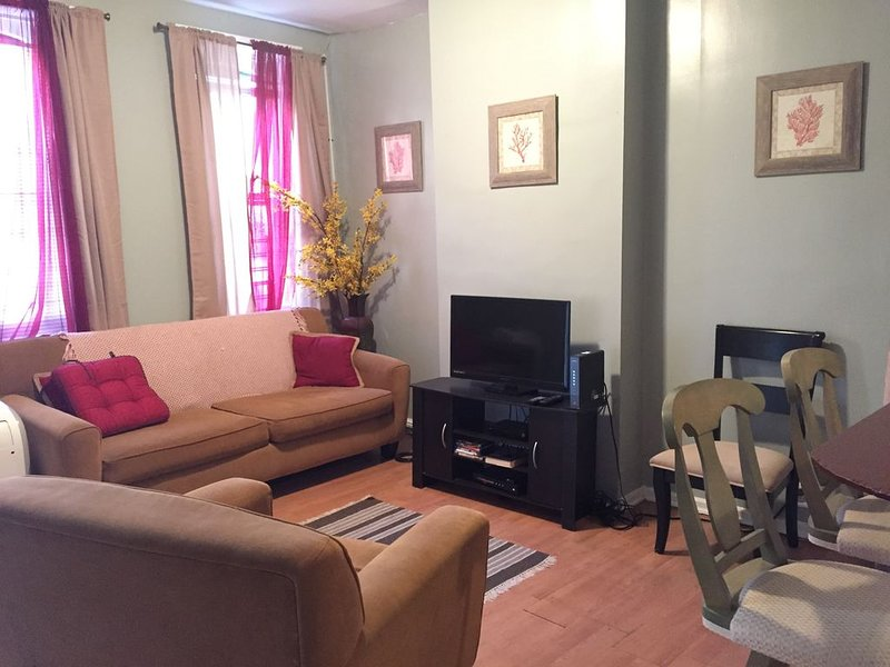 Temple Univ Home Off Campus Mins from Center City, holiday rental in Glenside