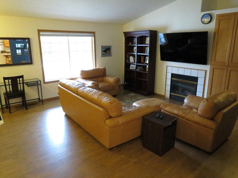 Comfortable Duplex in Quiet Arlington Neighborhood Near the Airport., alquiler vacacional en Granite Falls