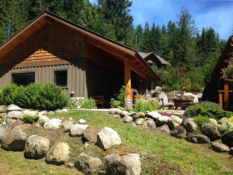 Front of Freya's Cabin & Bunky