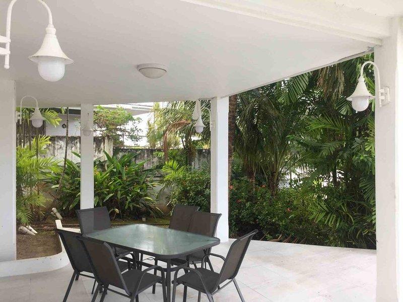 Garden Suite | Palm House | Glencoe, alquiler de vacaciones en Woodbrook
