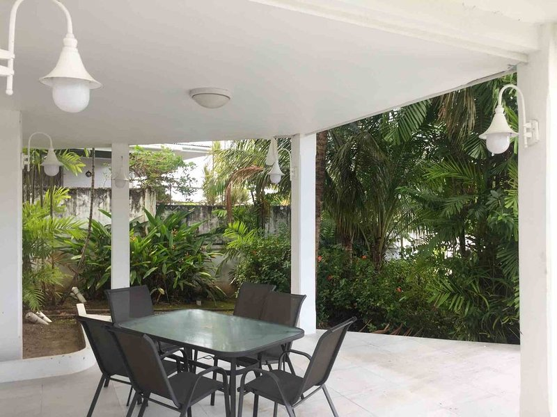 Garden Suite | Palm House | Glencoe, holiday rental in Trinidad and Tobago