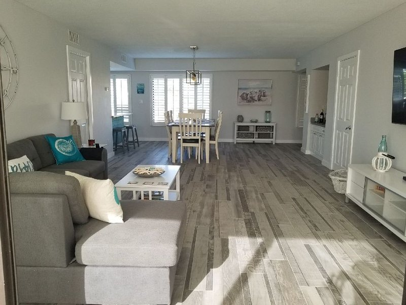 Beautiful Island Escape in Beachfront Community, location de vacances à Fort Pierce