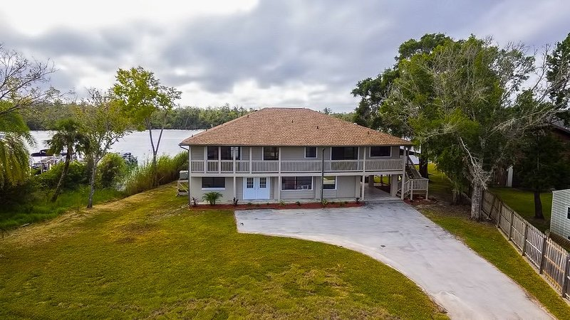 Water Front Property w/ Direct Access to The HOMOSASSA RIVER!, holiday rental in Homosassa