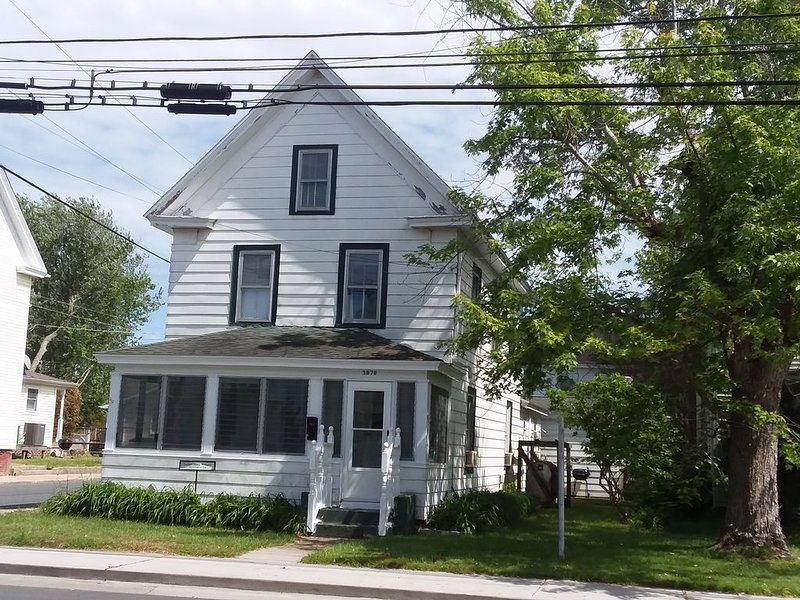 A CHARMING ISLAND HOME IN THE HEART OF DOWNTOWN CHINCOTEAGUE – semesterbostad i Chincoteague
