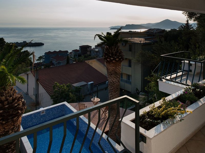 Beautiful VILLA MIA with private pool and sea view, holiday rental in Sveti Stefan