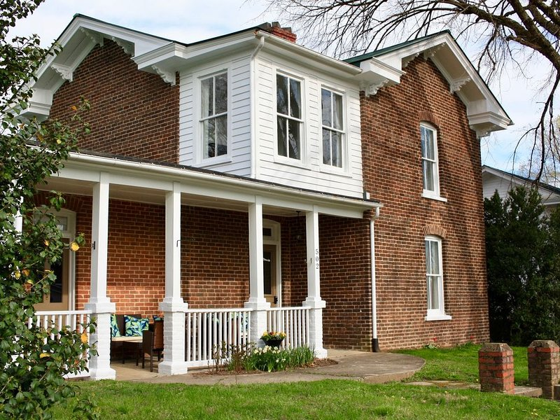 The Nathaniel Inn - Upscale Vacation Rental in Central VA, holiday rental in Gordonsville