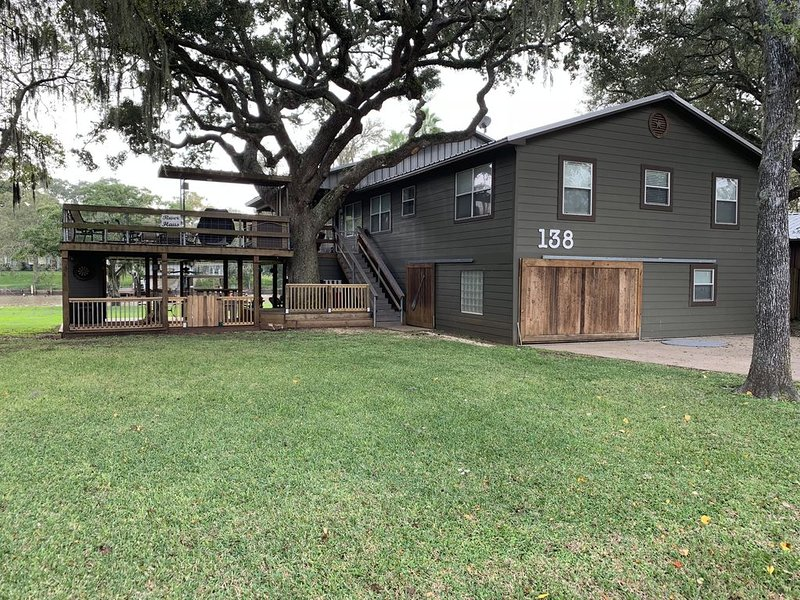 Kritzlers on the Caney! Waterfront and Pet Friendly!, alquiler vacacional en Brazoria