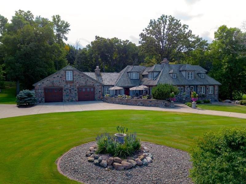 A Stunning Lakefront Retreat on Lake Mille Lacs, holiday rental in Vineland
