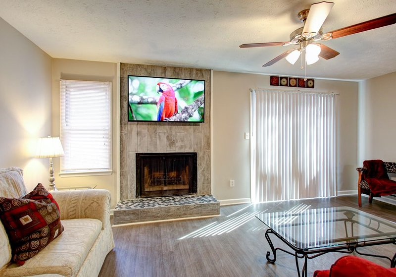 Crazy convenience - Unbeatable luxury!, holiday rental in Smyrna