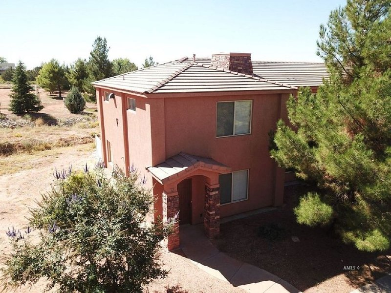 Staircase to Heaven - Premium Town Home in El Pueblo