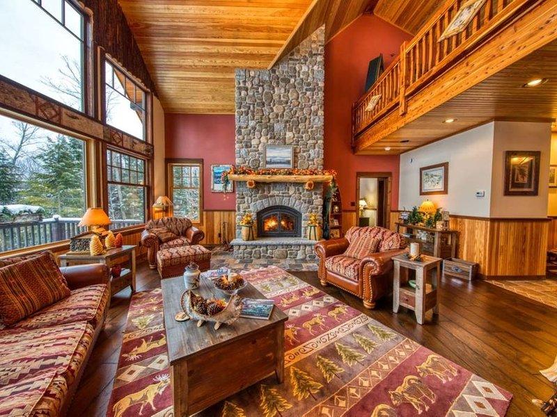 HemLocke Lodge Panoramic Mountain views! – semesterbostad i Keene Valley