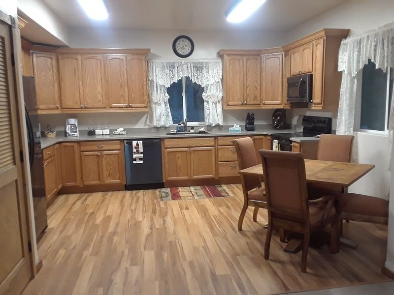 Your Home Away From Home in a country setting while still being close to town., location de vacances à Kalispell