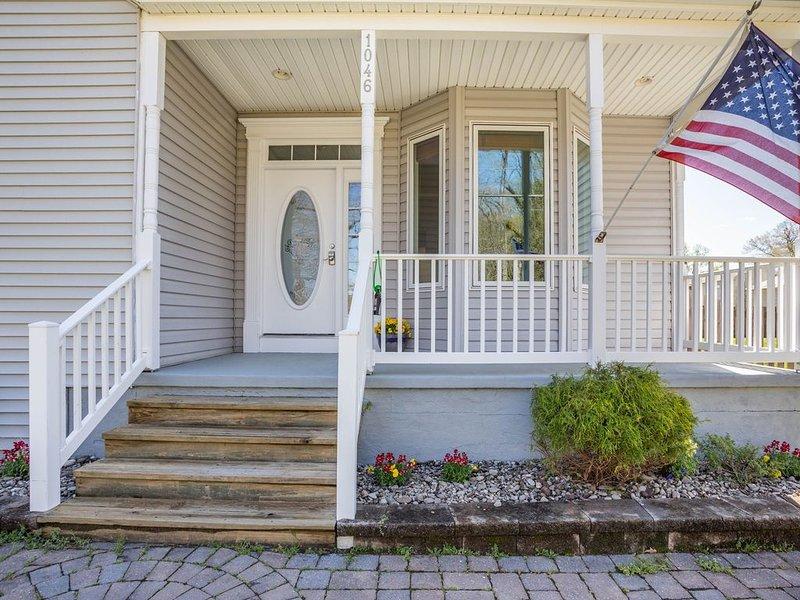Front Porch bénéficie d'une vue sur les zones humides (aigles) de l'autre côté de la rue