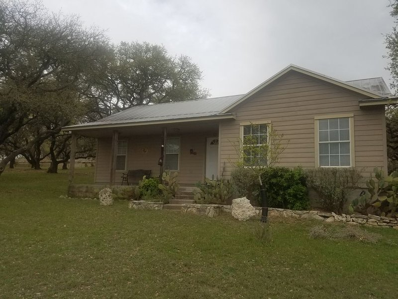 Guest House on Texas Cattle Ranch, vacation rental in Blanco