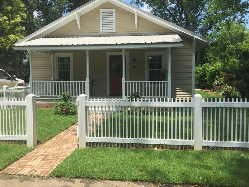 Aiken's Busy Bee Cottage Awaits!, holiday rental in Graniteville
