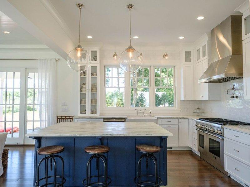 Brand New Hamptons Home - In Amagansett Village! Walk to the Beach!!, alquiler vacacional en Amagansett