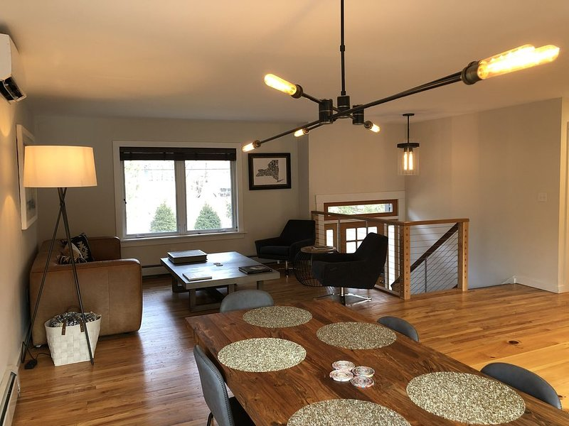 Freshly Renovated Home in Catskills Sweet Spot!!!, casa vacanza a Samsonville