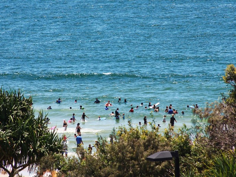 Pacific Towers Unit 4, 19 Ormonde Tce Kings Beach, vacation rental in Kings Beach