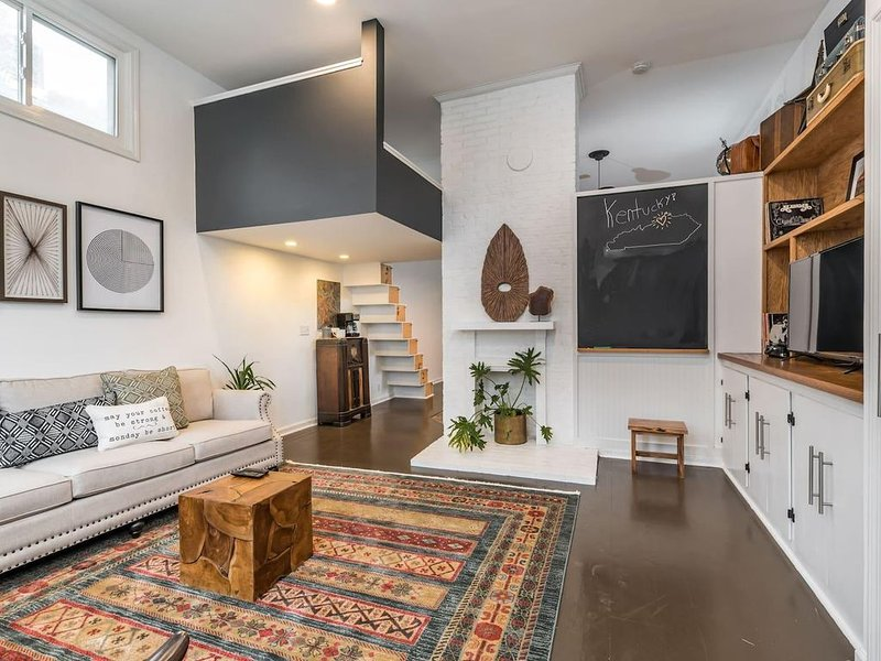 The Urban Craftsman - Close to Downtown and Entertainment!, vacation rental in Louisville