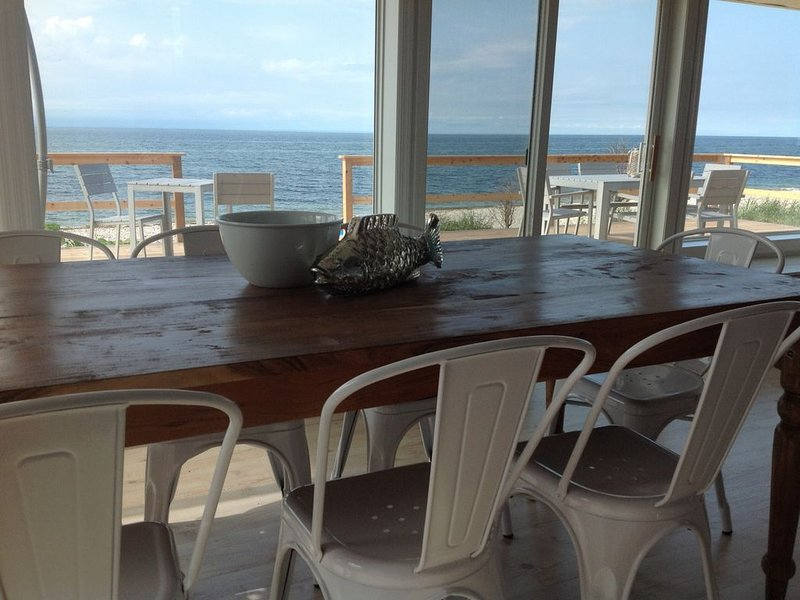 Luxury Beach House w Panoramic Views 1.5hrs NYC Your own Private Beach!, holiday rental in Middle Island