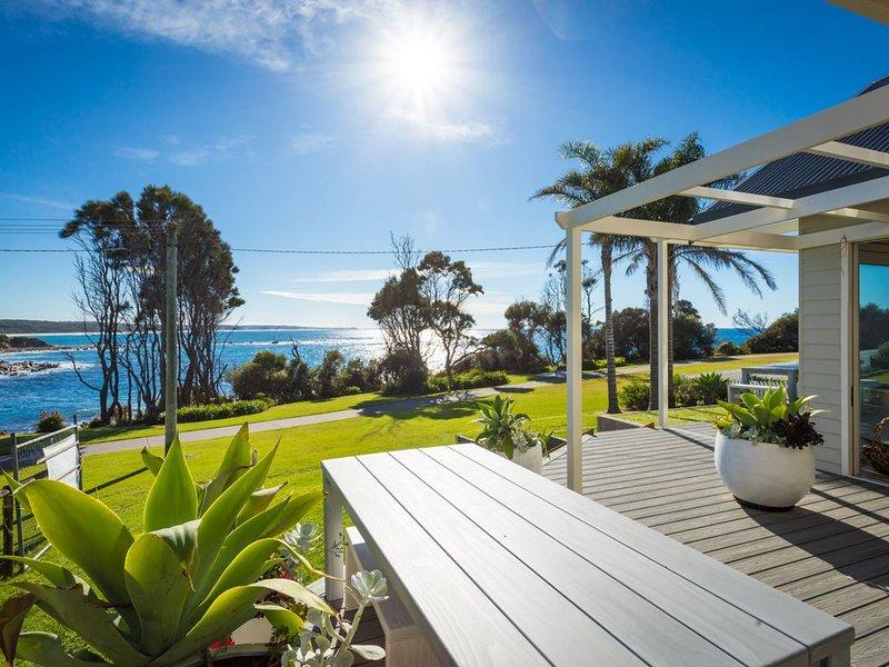 Spectacular Ocean Views, Modern Well equipment, alquiler vacacional en Dalmeny