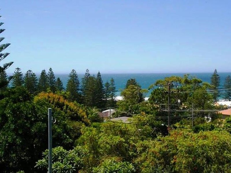 Panoramic Ocean Views From this Amazing 3 Bedroom Home, casa vacanza a Taree