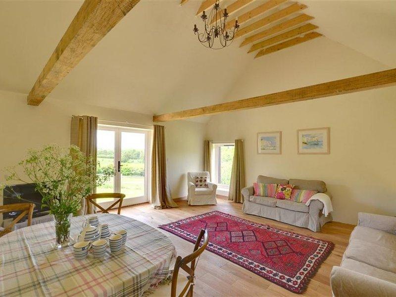 Owl Barn - Two Bedroom House, Sleeps 4, holiday rental in Robertsbridge