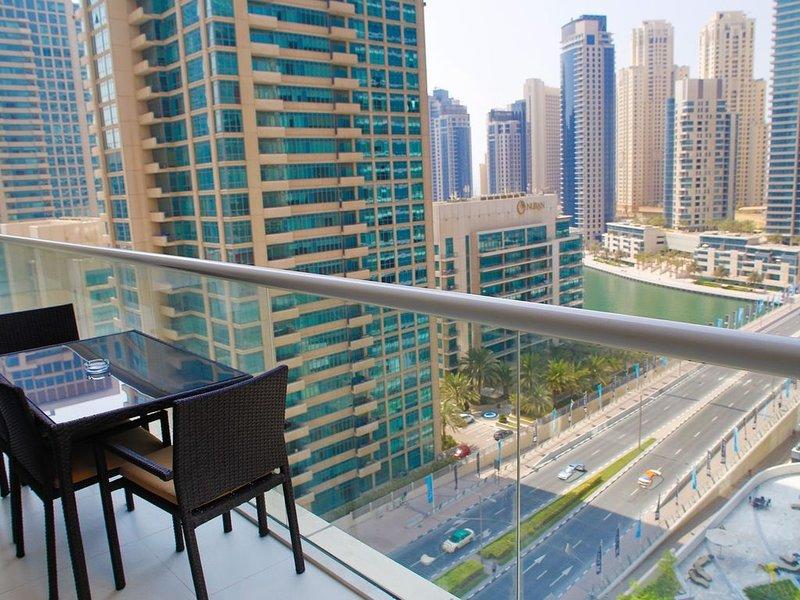 Spacious high-rise terrace overlooking Marina