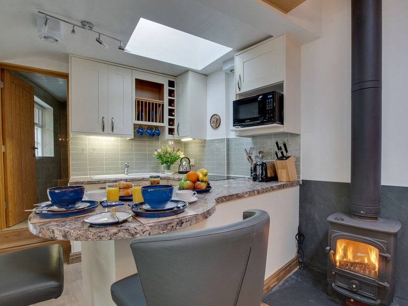 Courtyard Hideaway Cottage, holiday rental in Loughrigg