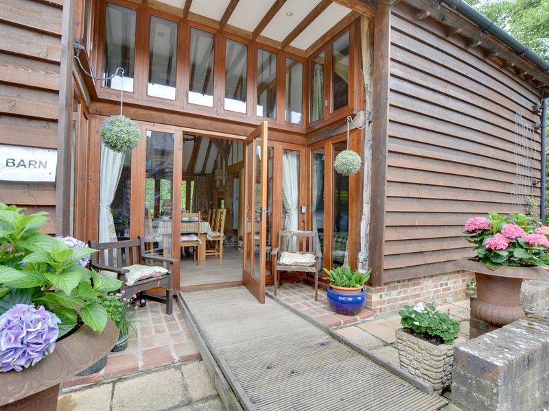 The Old Barn - Three Bedroom House, Sleeps 6, holiday rental in Uckfield