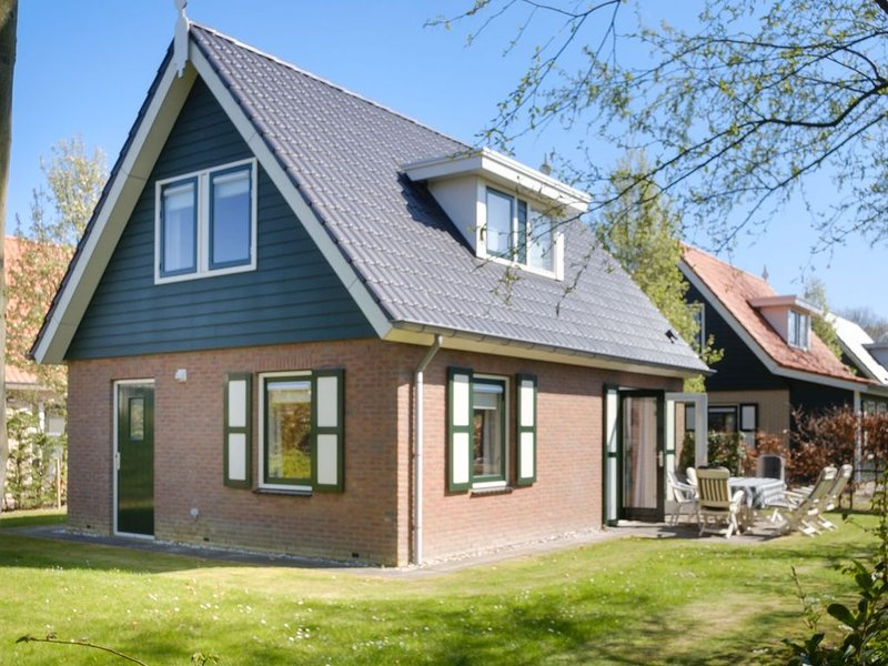 Classy Holiday Home in Zonnemaire with Garden, holiday rental in Zierikzee