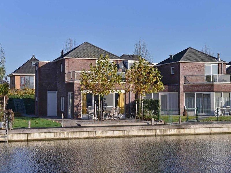 Popular house for tenants, orderly, neat and complete., alquiler vacacional en Heijningen