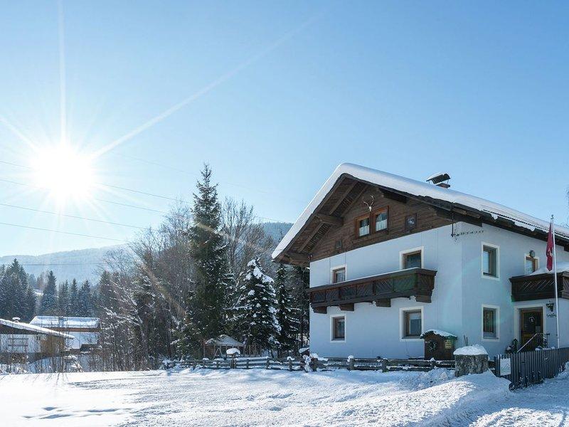 Spacious Apartment in Radstadt near Ski Slopes, holiday rental in Filzmoos