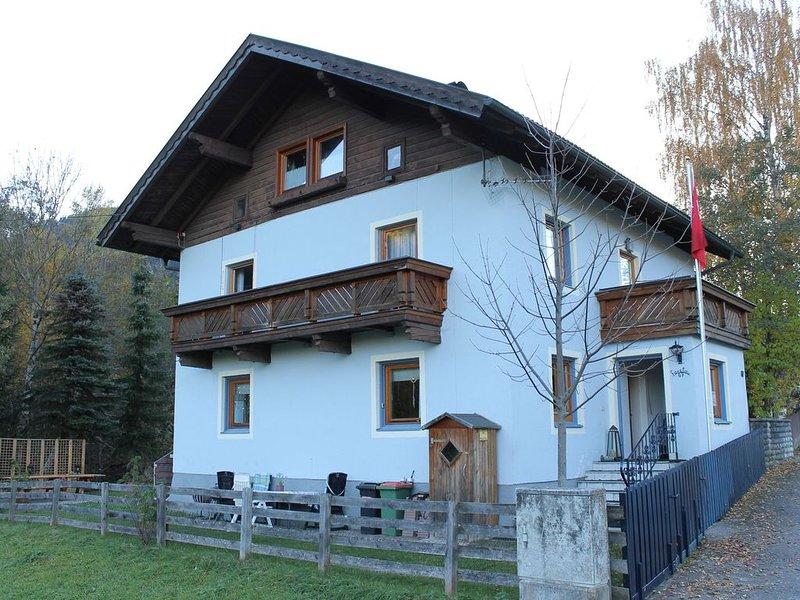 Spacious Apartment in Radstadt near Ski Slopes, holiday rental in Untertauern