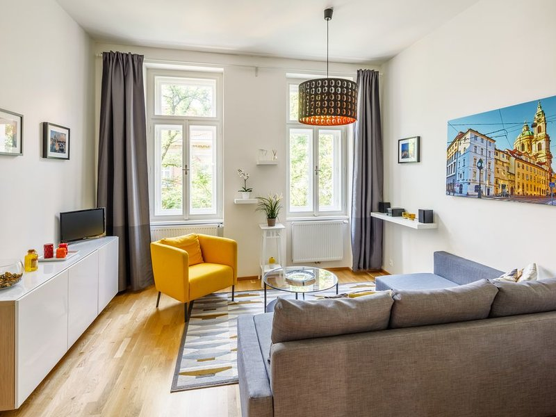 Beautiful Apartment with Private Terrace in Central Prague, holiday rental in Prague