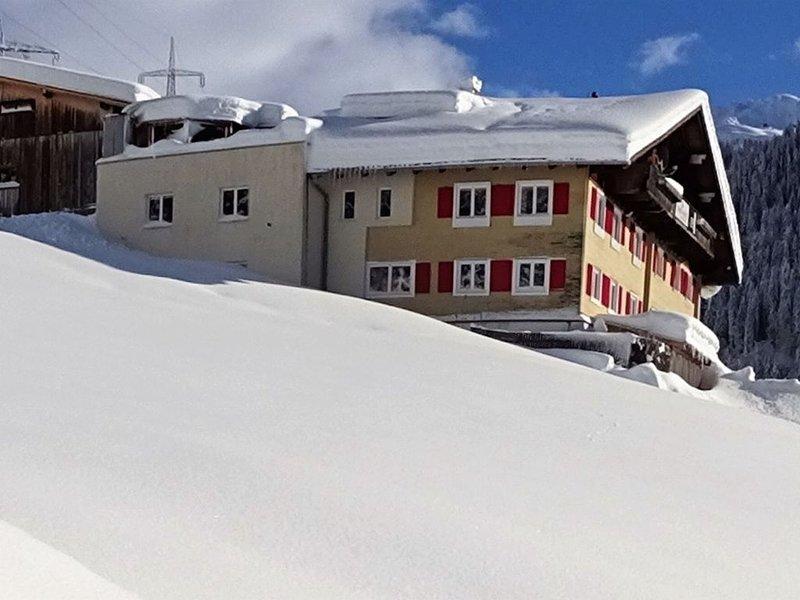 Lush Holiday Home in Klösterle near Sonnenkopf Ski Area, Ferienwohnung in Vorarlberg