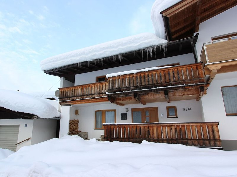 Boutique Apartment in Brixen with Mountain View, alquiler vacacional en Brixen im Thale