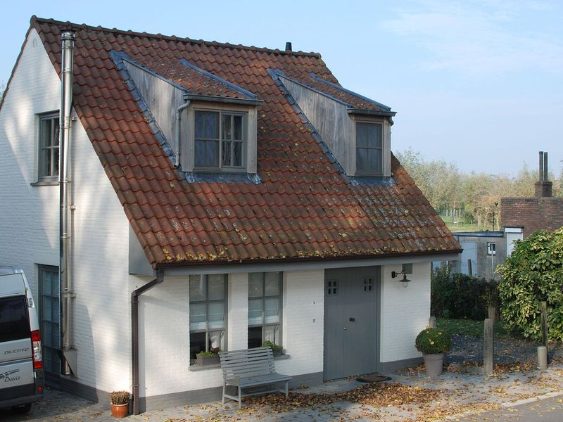 Charming Holiday Home in Damme with Private Garden, holiday rental in Sluis
